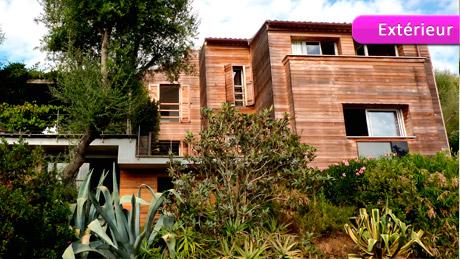 A vendre superbe villa en corse du sud 2a avec piscine for Constructeur de maison en bois en corse du sud